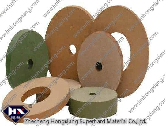 Diamond polishing wheel for glass