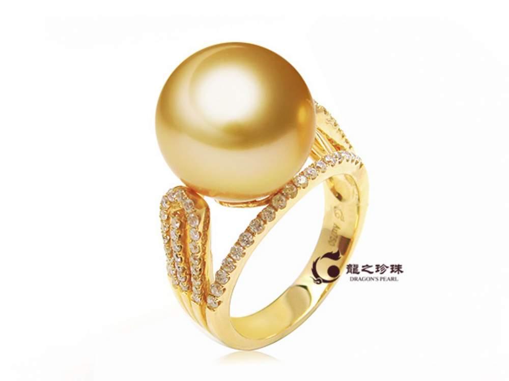 购买18黄镶钻南洋金珠戒指图片