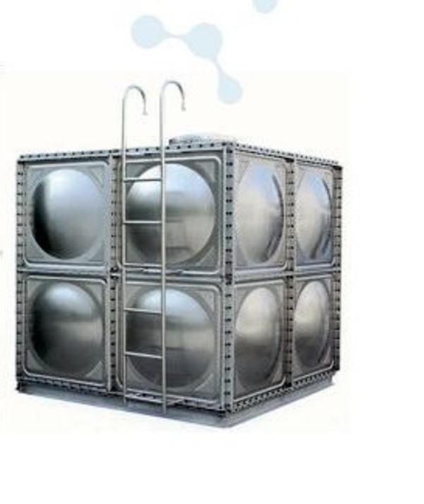 不锈钢水箱是继玻璃钢水箱之后新一代水箱产品,其产品采用SUS304不锈钢板精工模压而成,造型美观、经济实用、主体以久不坏。不锈钢水箱与其它水箱相比,具有重量轻、强度高、耐腐蚀、耐高温、水质清洁,防渗,抗震,永不生青苔,安装方便,无需维修,便于清洗等诸多优点。