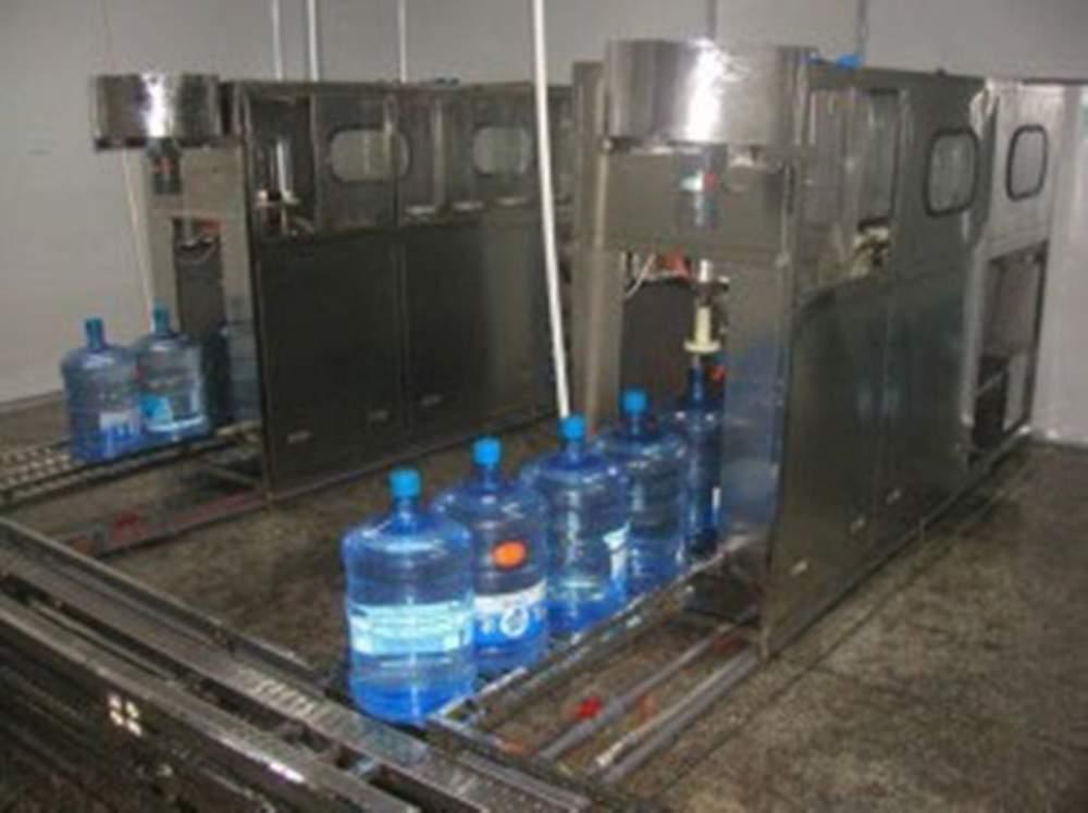 桶装水灌装机 .       全自动灌装机 .