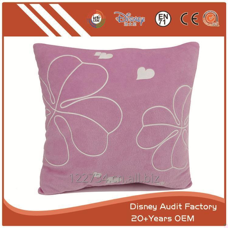 购买 Floral Decorative Pillow