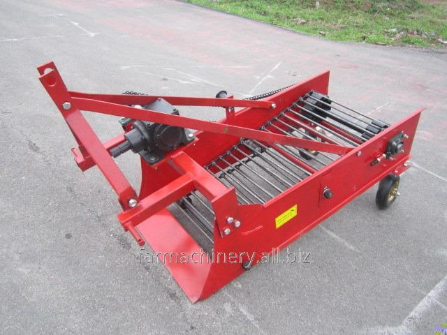 Potato or Cassava Harvester. Model: 4U-1