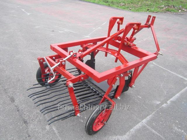 Potato or Cassava Harvester. Model: 4U-1A