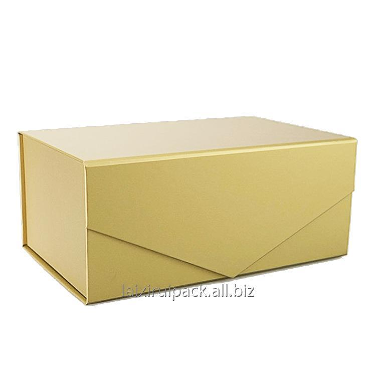 Buy Custom gold foil luxury folding bespoke boxes with magnetic