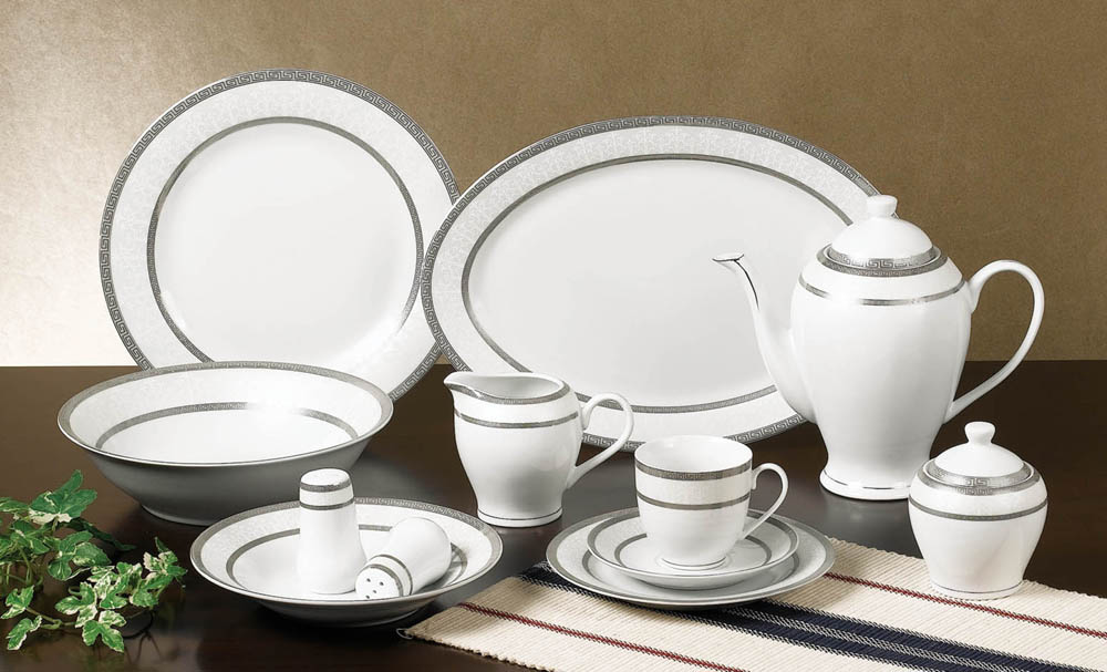 "DECAL NO.:G193  餐具 陶瓷 12PCS 茶具 18PCS餐具 41PCS餐具 dinner set 7.5""flat plate 8""soup plate 9"" flat plate 10.5""flat plate 5""footed bowl 4.5""footed bowl 650ml 600ml tea pot sugar pot 310ml mug 3pcs candy set 10""oval plate 12""oval plate"