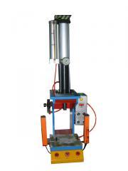 台式气液增压机