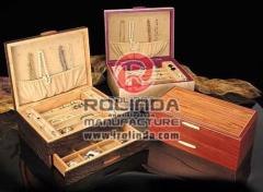 Cases for wooden jewelry