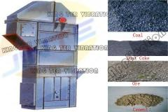 Bucket elevators for glass industry
