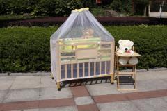 环保婴儿床05