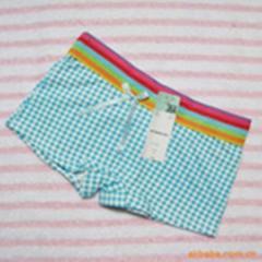 Female pants: Shorts