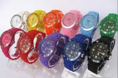 Wholesaler 2011 fashion new silicone ice love