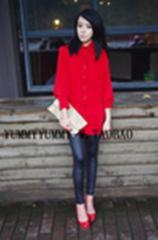 正红色女式衬衫
