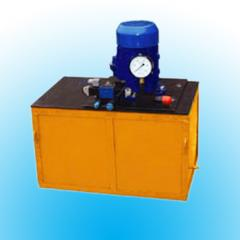 Pumps for work on mineral oils