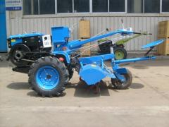 Tractor with CE