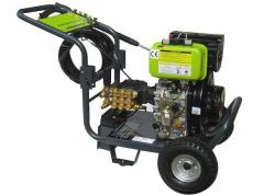 Equipment for dust-free cleaning