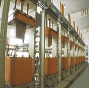 低水箱高压成型机
