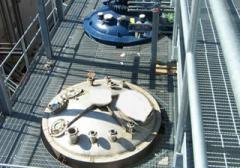 Platform hydraulic loading