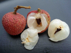 Chinese fresh sweet and small seed Litchi fruit