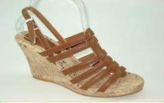 女式皮质凉鞋