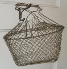 Stainless steel wire mesh collapsible storage