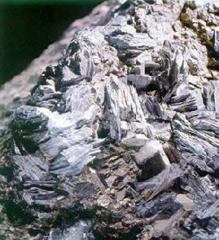 Molybdenum raw material