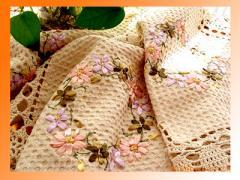 麻及棉绣花台布