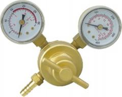 Gas regulators and pressure reducers