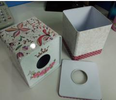 正方纸巾盒