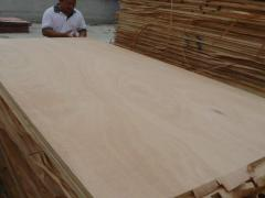Multilayered plywood