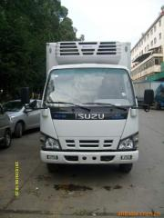 Refrigerated truck and truck body