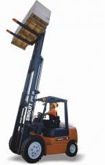Sinolift Forklift truck with diesel engine 1-1.8T