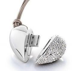 Golden Heart Jewelry USB Flash Drive