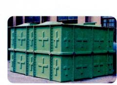 Containers made of fiberglass