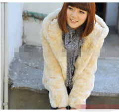 女式短款连帽外套,仿皮草韩版外套混 叙亚R32短款外套