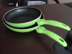 Frying pans with ceramic coating