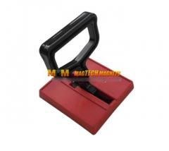 Vacuum chucks for transportation of articles