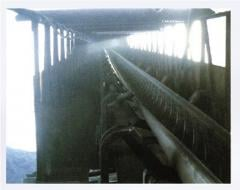 Steeply inclined belt conveyors