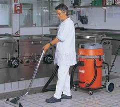 Industrial vacuum sweeper