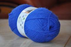 All-wool yarn