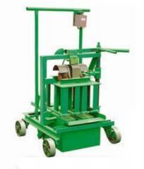 Press for manufacturing a brick hydraulic