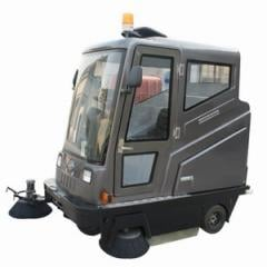 All-closed road sweeper