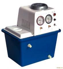 Water-circulating vacuum pumps