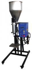 Equipment for refilling cartridges