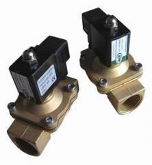 Normally closed solenoid valve solenoid controlled