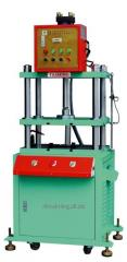 XTM-106 hydraulic punching machine - Precision