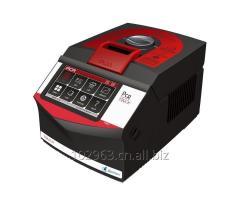 PCR laboratory instrument T960