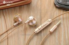 M7 Wired earphones Suppliers Metal headset In-Ear