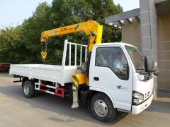 Isuzu 600p truck mounted crane XCMG 3.2T