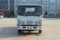 Isuzu ELF vacuum sewage suction truck 8000L