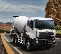 Nissan UD concrete mixer truck 6x4